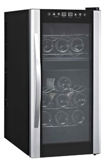 Avanti EWC18DZ 18 bottle wine fridge, closed door