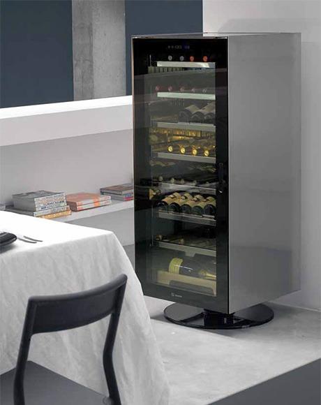freestanding Irinox Divino wine cellar